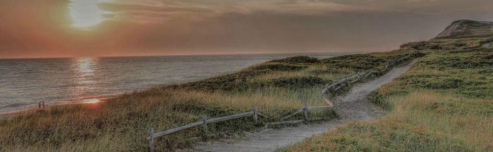 Moshup Beach sunset in Aquinnah